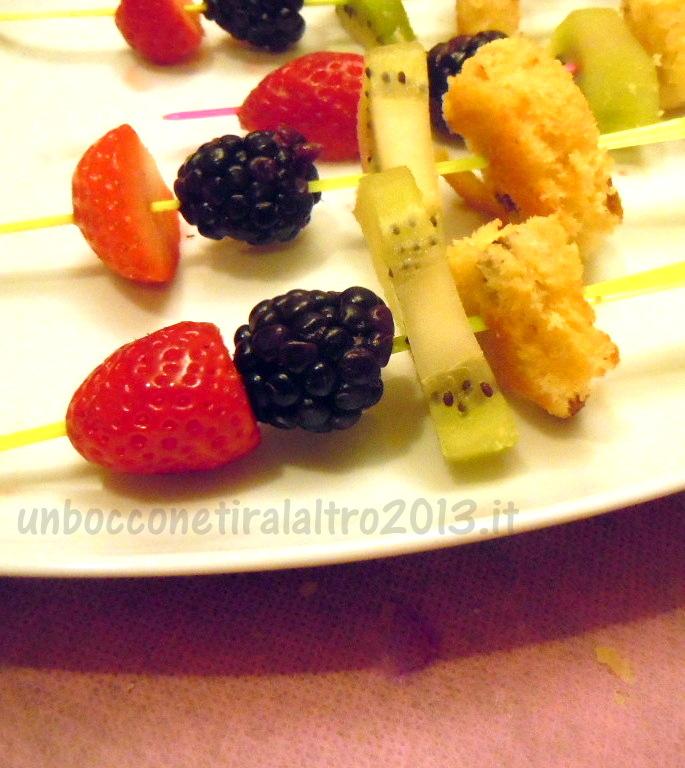 Spiedini frutta e panettone2