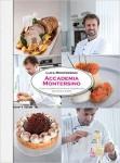 Il talento di Luca Montersino, chef e maestro pasticciere di fama internazionale, si mostra in una veste inedita: una scuola di cucina di base. Dopo il successo dei volumi di pasticceria, lo chef si lancia in una nuova sfida: dalle tecniche di base ai piatti più tipici della tradizione italiana.